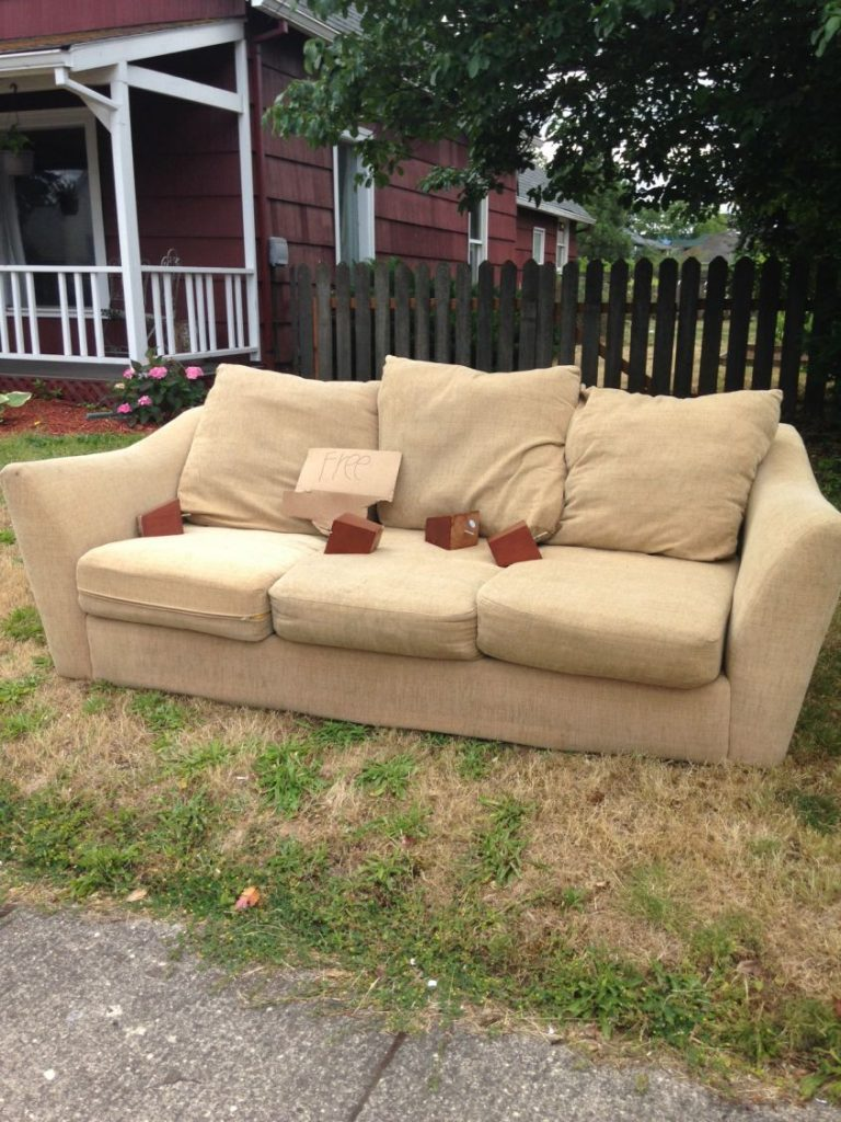 Free Couch in Hood River @ 11th & Pine